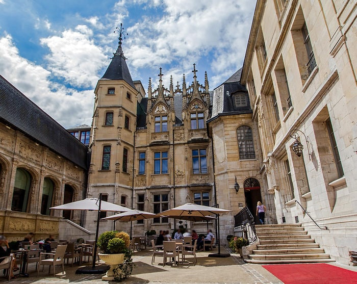 Sight-Sleeping in France: Hotel de Bourgtheroulde Rouen
