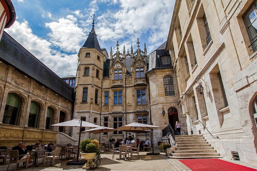 Sight-Sleeping in France: Hotel de Bourgtheroulde Rouen