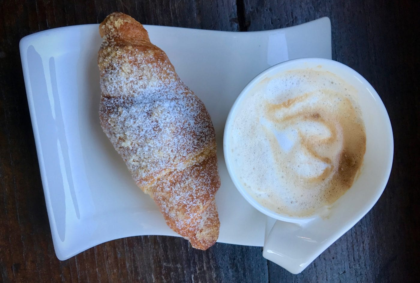 Breakfast in Italy: Café + Cornetto