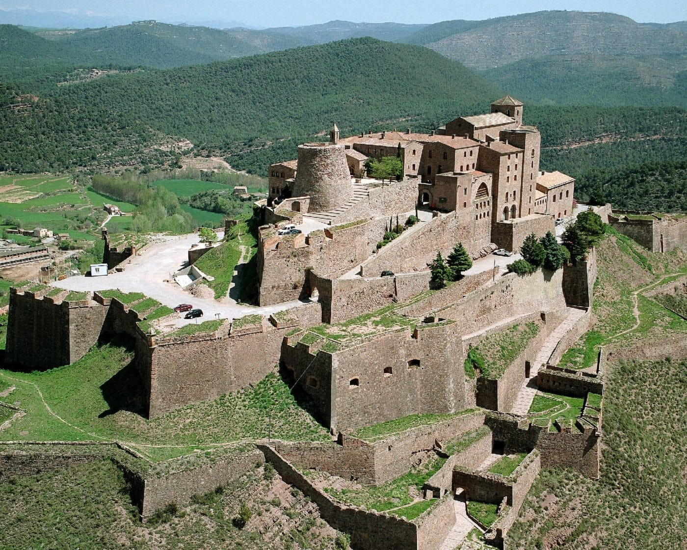 Sight-Sleep in Spain: Parador de Cardona Castle-Stay