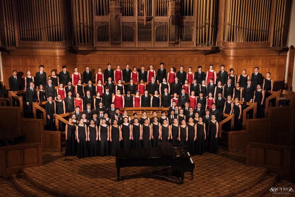 the LCHS Choral Artists sing in France in 2019 with iNSIDE EUROPE