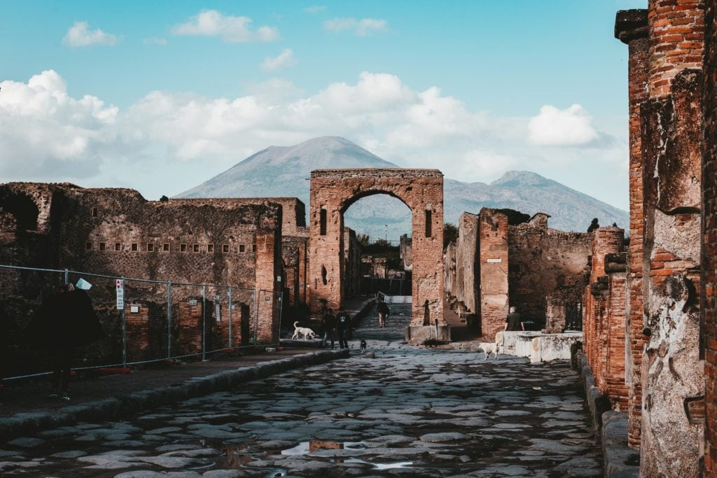 Capture of Pompeii Archelogical Park by Andy Holmes on Unsplash